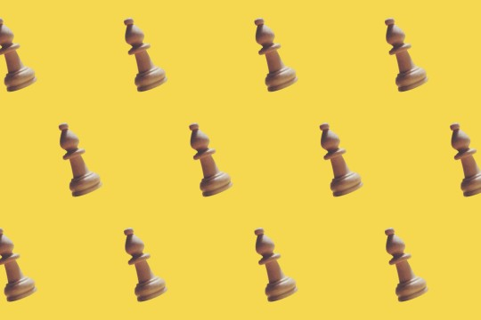Chess piece repeated on background