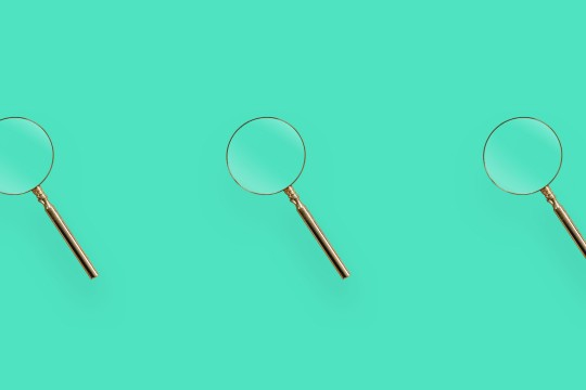 Magnifying glass repeat over background