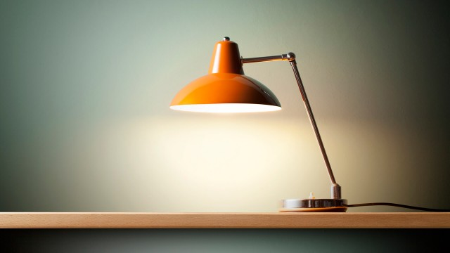 table with desk lamp