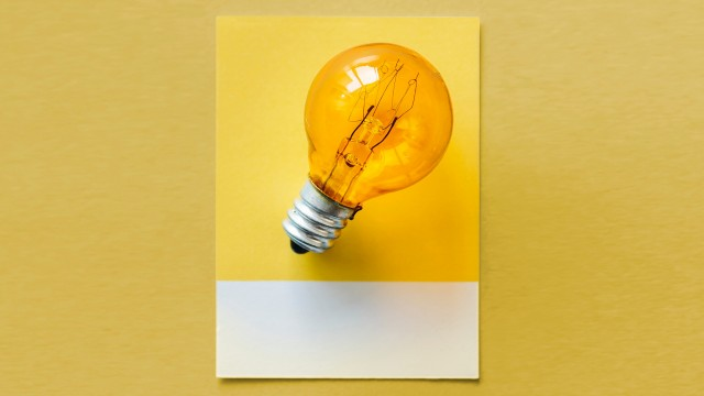 lightbulb on post-it